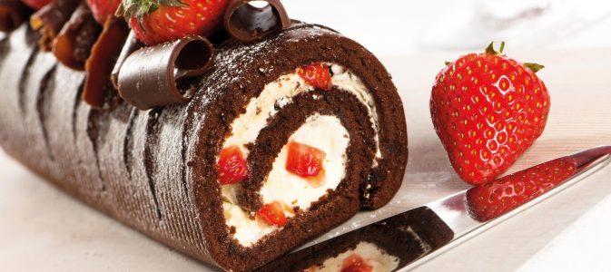 bûche-noël-chocolat-fraises